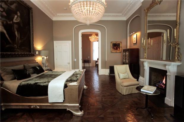 Master Bedroom W8