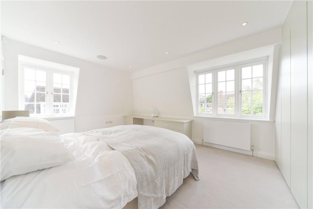 Bedroom W14