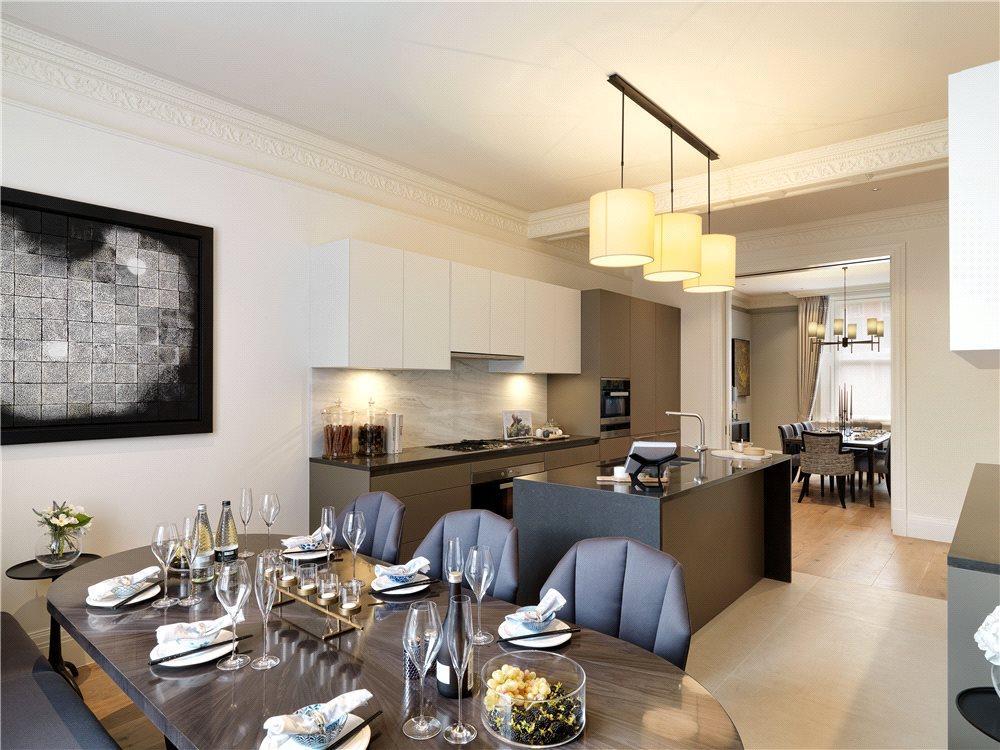 Kitchen Dining W8