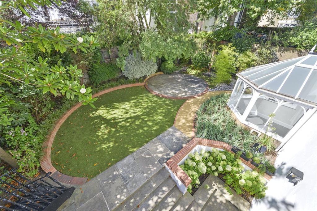 Garden W8