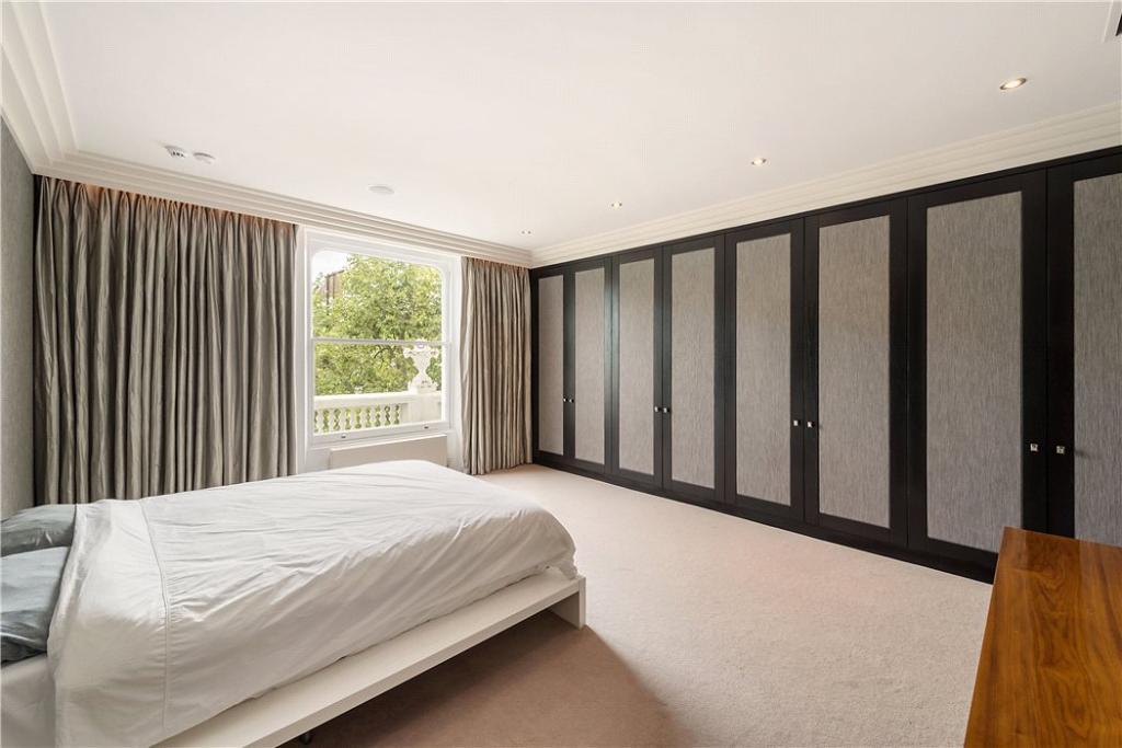 Bedroom W11