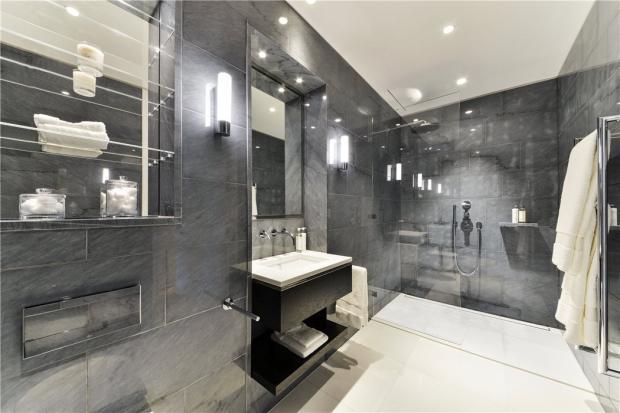 Shower Room W8