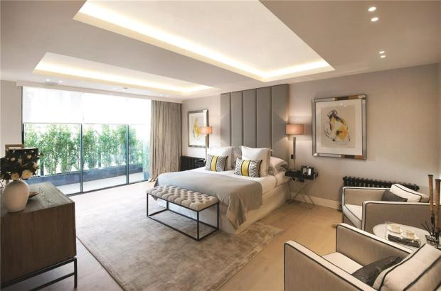 Master Bedroom W1