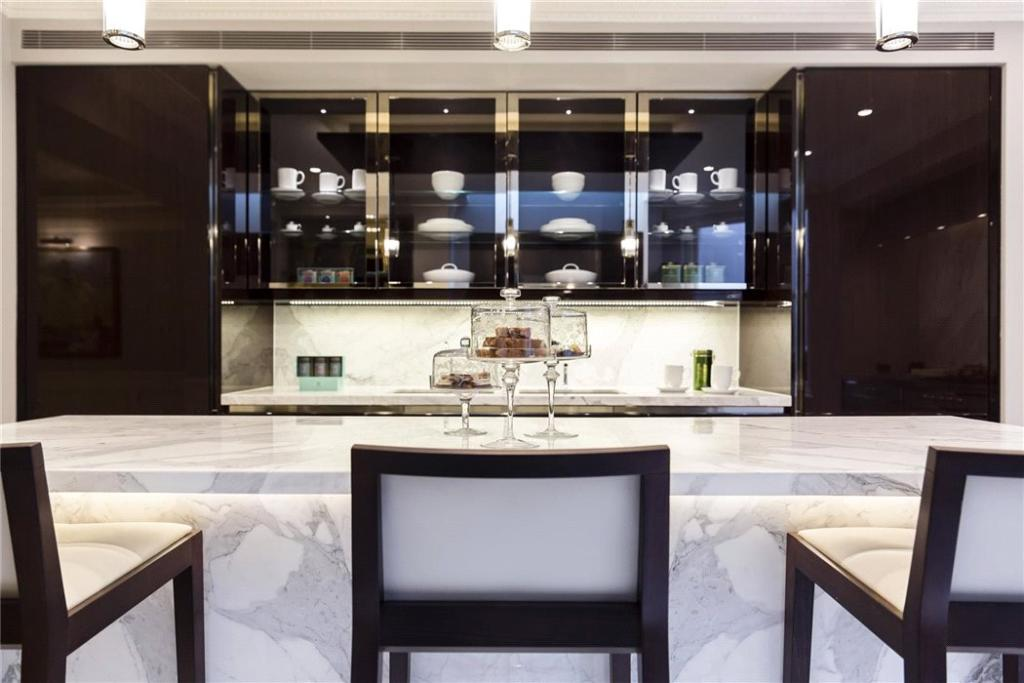 Mayfair: Kitchen