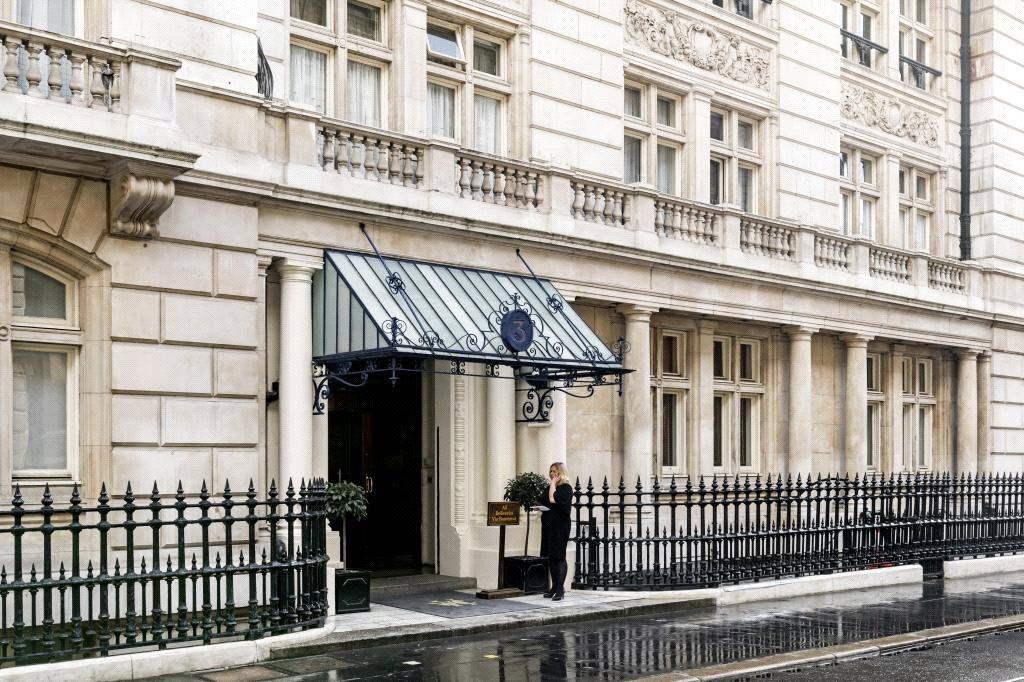 Whitehall Court