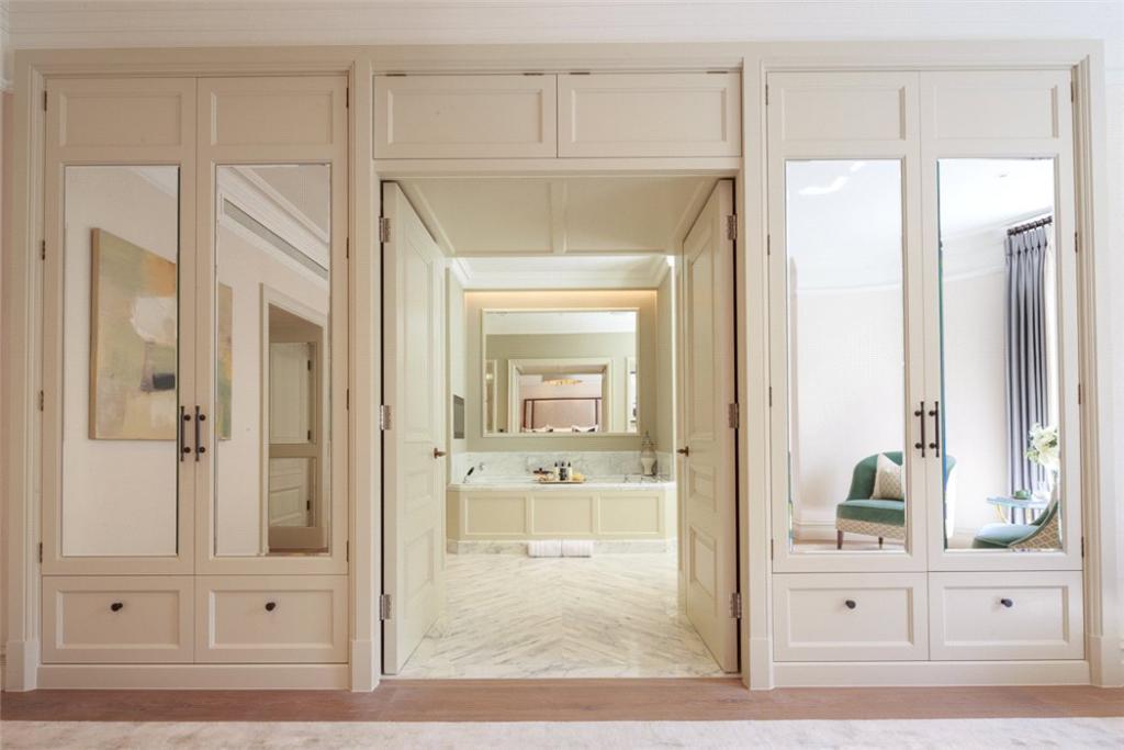 Master Bathroom, W11