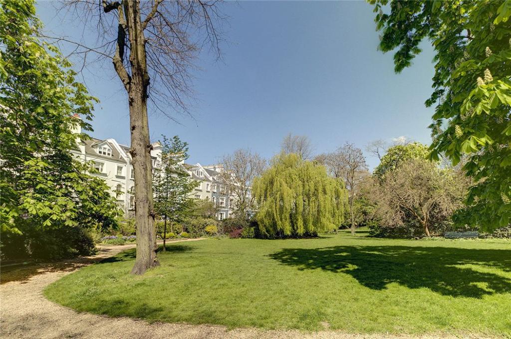 Communal Garden, W11
