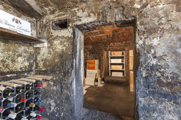 Wine Cellar, W11