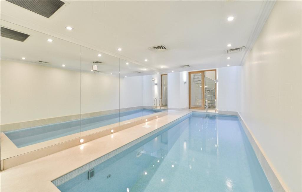 8 bedroom terraced house for sale in cadogan place Houses for sale in london with swimming pool