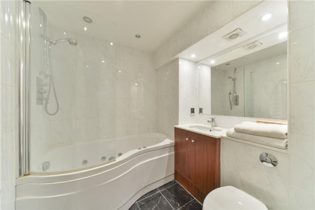 Master Bathroom Sw3