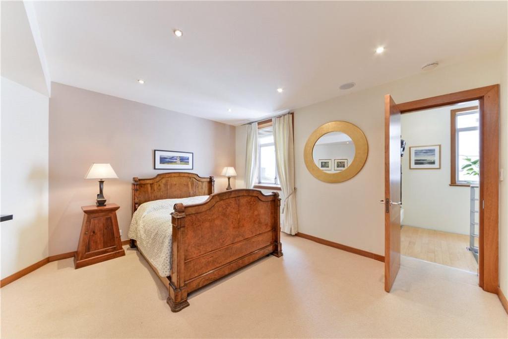 Bedroom 2 Sw1