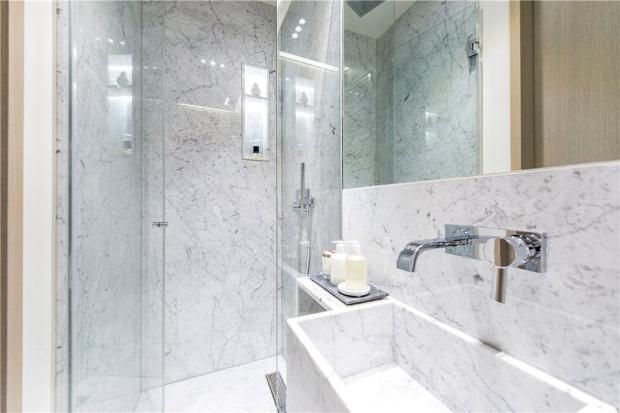 Master Bathroom Sw1