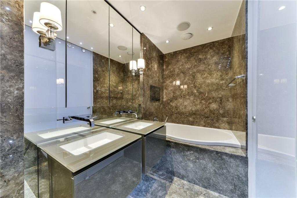 Master Bathroom Sw7