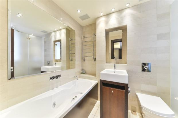 Bathroom Sw1