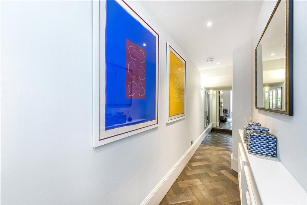 Hallway Sw1