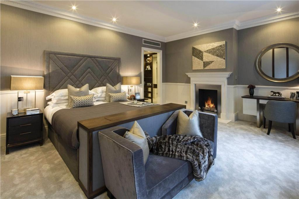 Master Bedroom Sw1