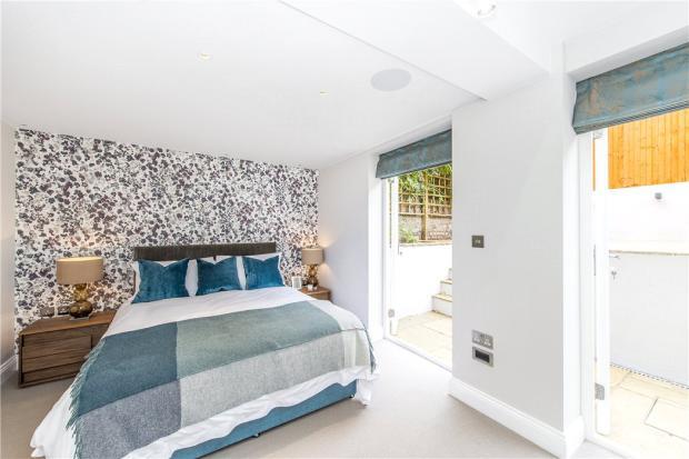 Bedroom Sw10