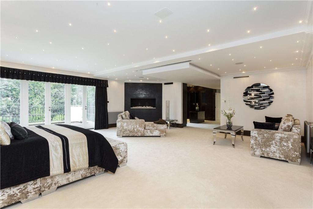 8 Bedroom Detached House For Sale In Coombe Park Kingston Upon Thames Kt2 Kt2