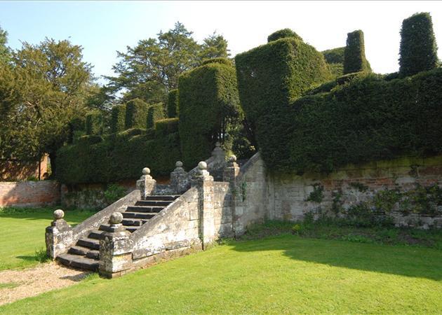 Tier Gardens