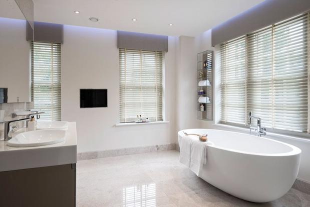 Windlesham: Bathroom