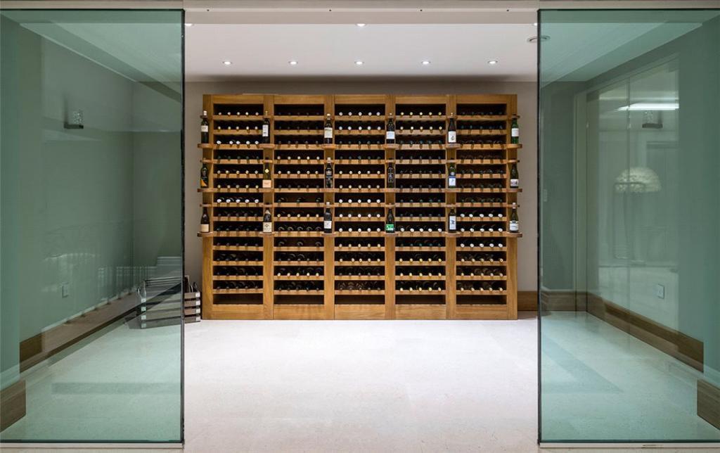Windlesham: Cellar