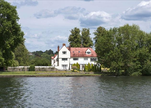 5 Bedroom House For Sale In Willow Lane Wargrave Henley