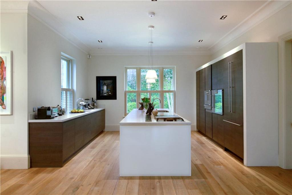 Windlesham: Kitchen