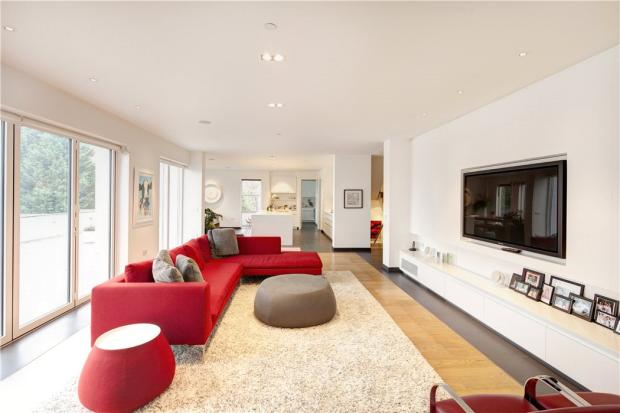 Cobham Modern House