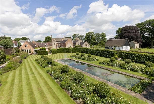 Bretforton Manor