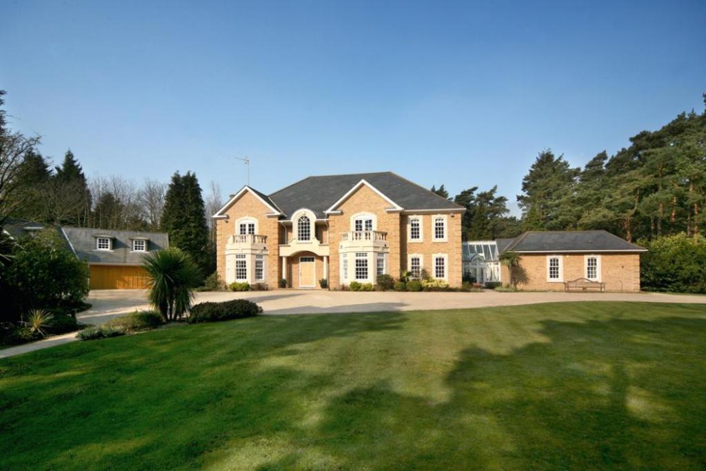 Windlesham: Front