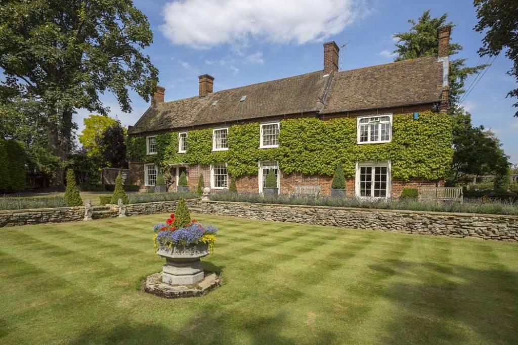 Cross Hall Manor