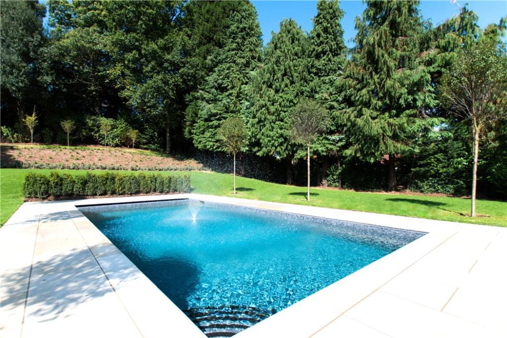 Lusso Homes,Pool & Sport