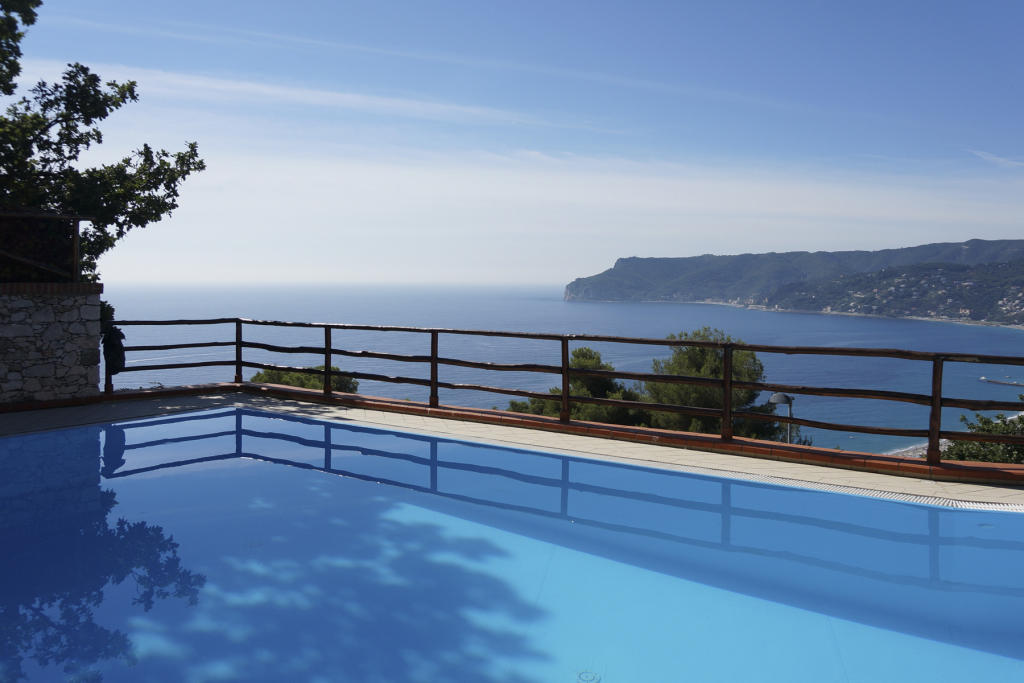 5 bed Villa for sale in Liguria, Savona, Bergeggi