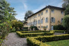 11 bed Detached home for sale in Lucca, Lucca, Italy