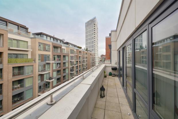 balcony (Large)