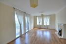 Flat to rent in Kings Lodge, Ruislip...