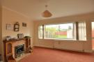 2 bed property in Pavilion Way, Eastcote...