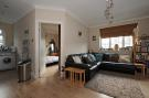 Flat in High Road, Eastcote...