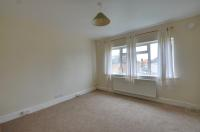 2 bedroom Flat to rent in Mahlon Avenue, Ruislip...