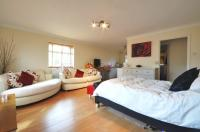 Studio flat to rent in Rosedene Court, Ruislip...