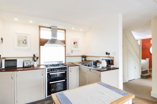 Kitchen to Hal...