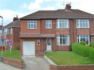 4 bedroom semi detached home to rent in Nunthorpe Grove...