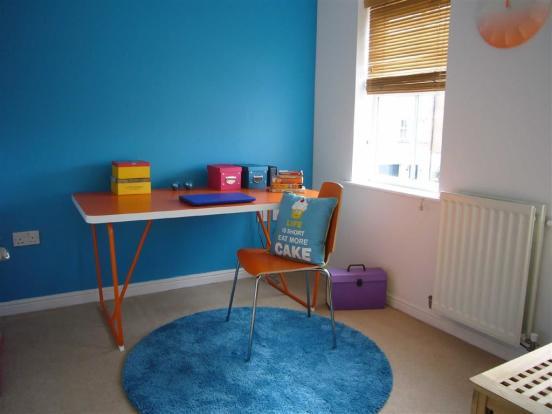 Bedroom No.3/study: