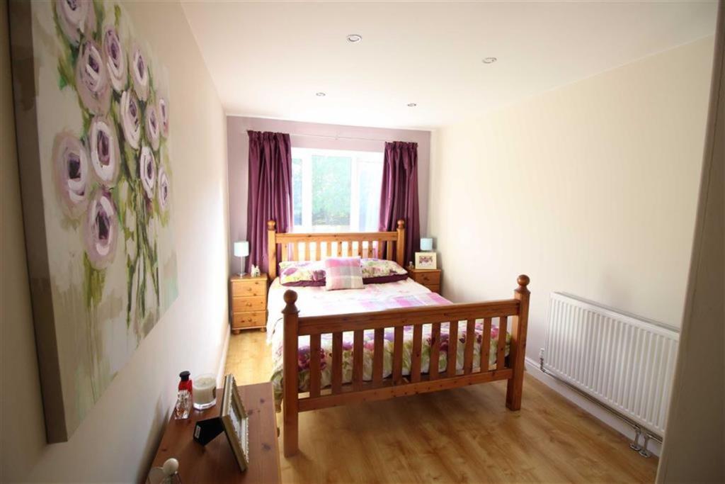Bedroom no.1 rear do