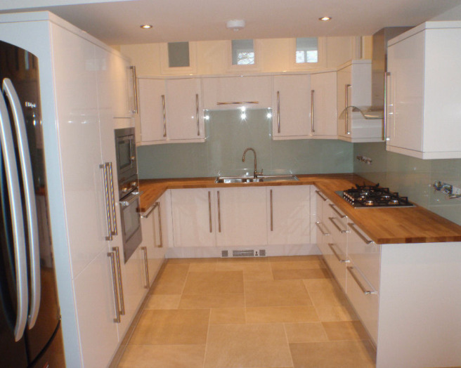 White kitchen wooden worktops images for Kitchen units and worktops