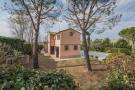 Country House in Morrovalle, Macerata...