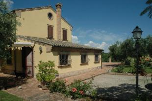 Morrovalle Country House for sale