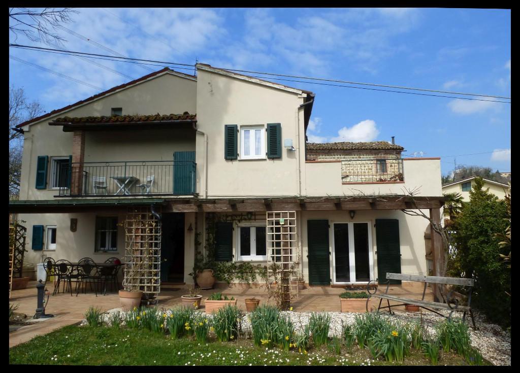 3 bed property in San Ginesio, Macerata...