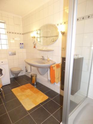 Shower room hol. h.