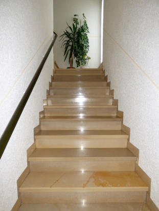 Staircase first floo